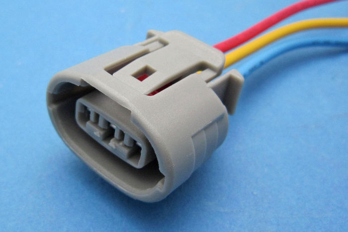 Denso Oval 3 Pin Plug