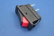 On/off rocker switch with fluorescent indicator