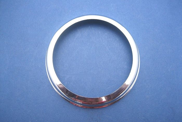 Chrome rim for L488/L594 lamps